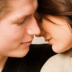 男友達からキスされた!?男の心境と女性がとるべき対応